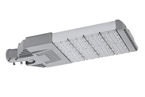 太阳能板路灯